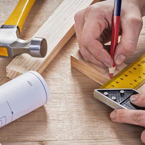 木工とデザイン - 釘・木ねじなしで額縁を壁にかける